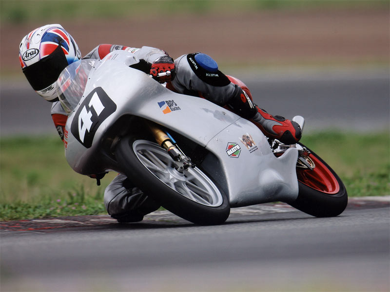 Luke on the Sabre Sport Honda 125 at Spainish Championship 2005