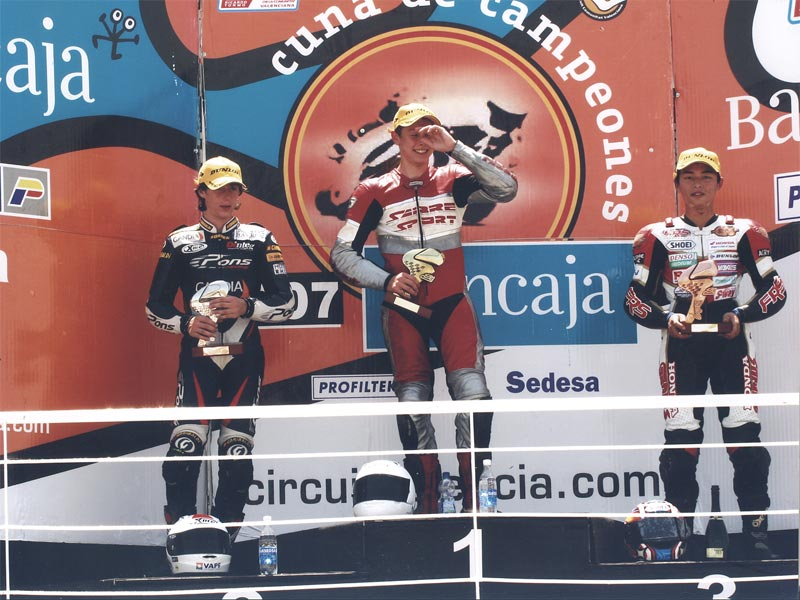 Luke winning the 2005 Spainish Catalayn championship on the Sabre Honda 125