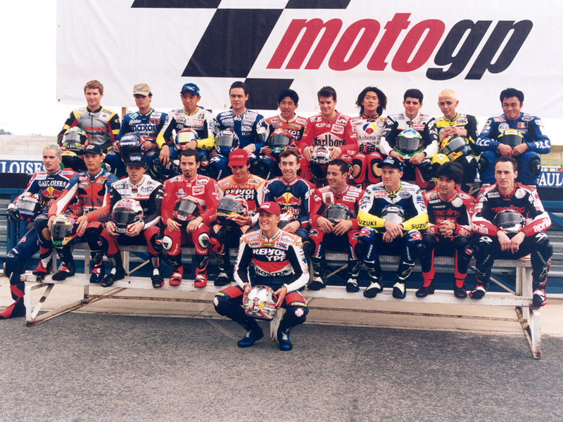 The 2000 GP500-Grid - Sabre Sports rider Shane Norval is top left.